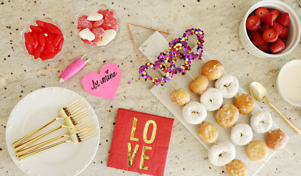 Valentine's Party Ideas: Cheesecake and Doughnuts