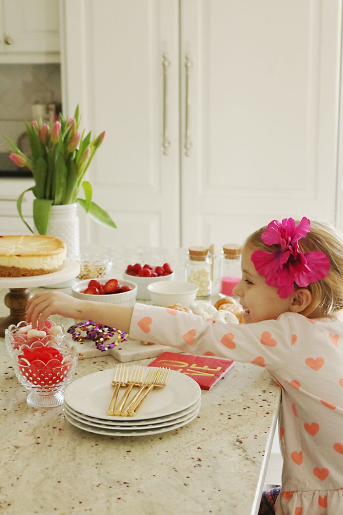 valentine-party-spread