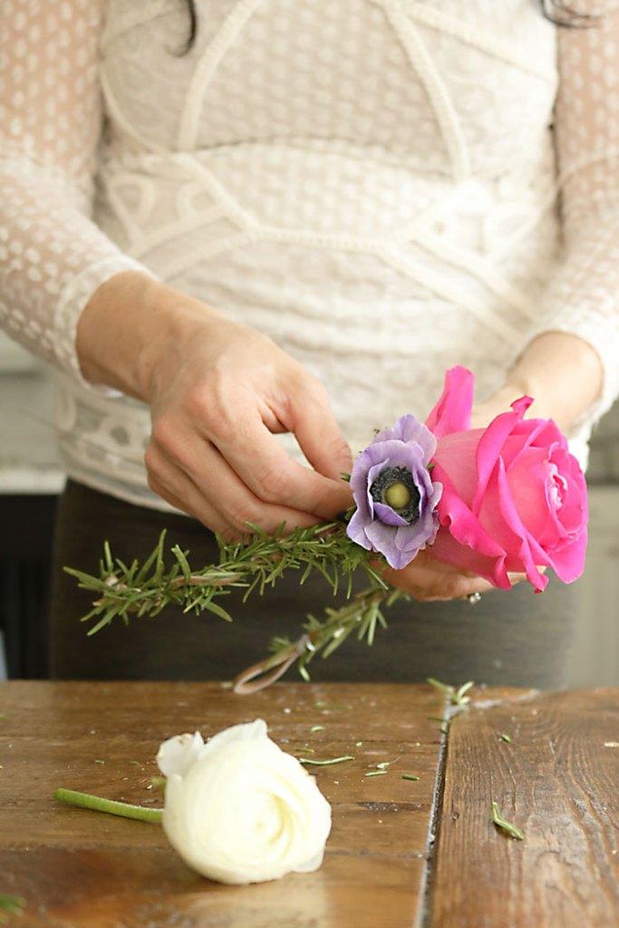 DIY-flower-crown-adding-flowers
