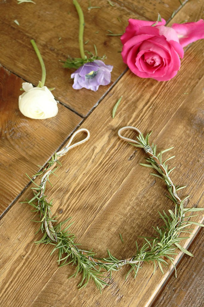 DIY-flower-crown-with-flowers-and-rosemary
