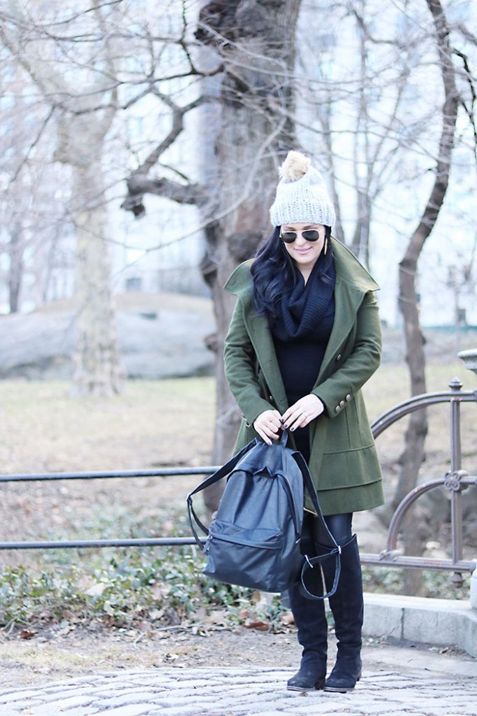 army-green-winter-coat-with-ray-bans-sunglasses