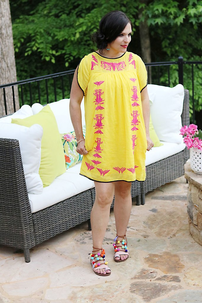 DIY-pom-pom-sandals-fashion