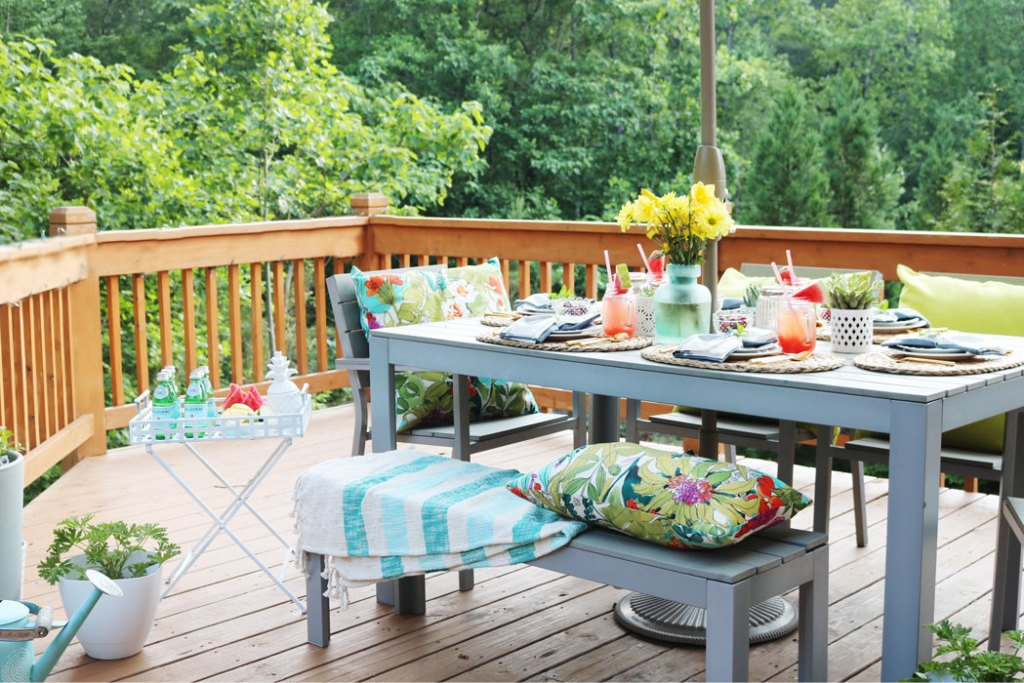 10 Tips For The Perfect Outdoor Backyard Party Darling