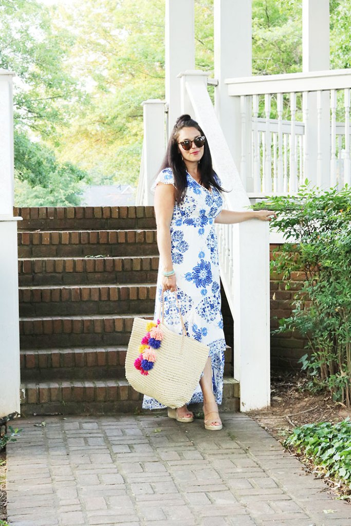 4th-of-july-outfit-with-pom-pom-diy-bag