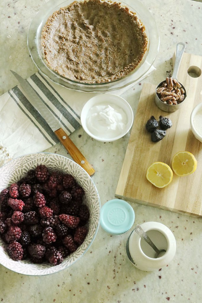blackberries-syrup-pie-ingredients