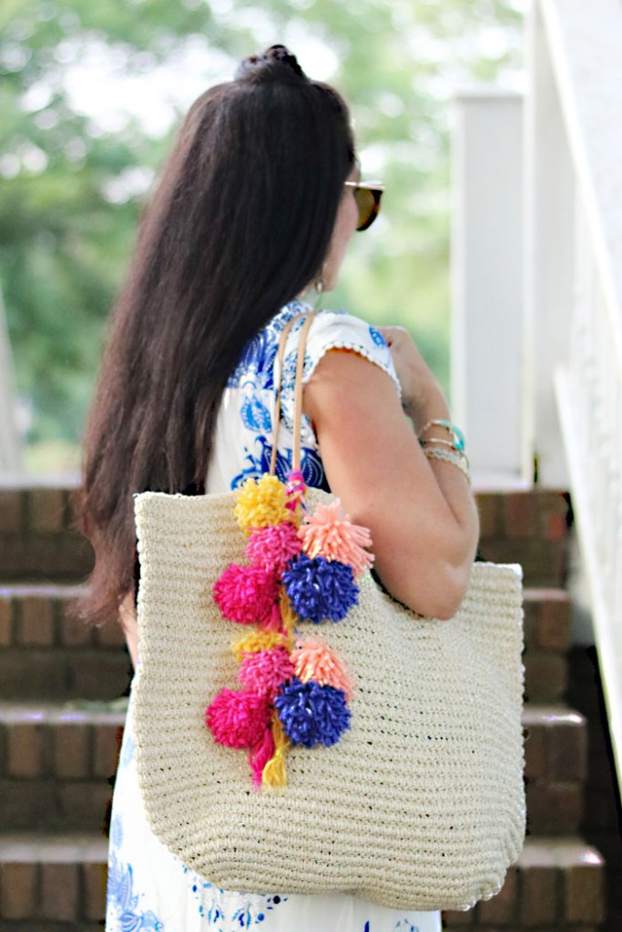 diy-pom-pom-bag-for-summer