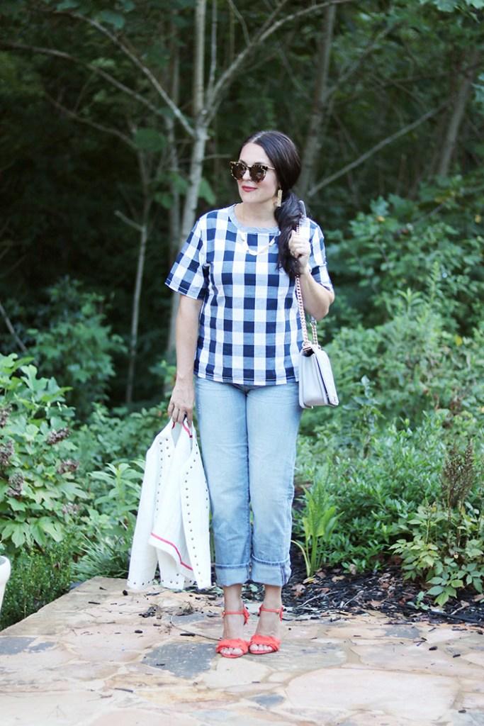plaid-shirt-and-boyfriend-jeans, romwe, buffalo checks shirt, fall outfit, transitional outfit from fall to summer, plaid shirt for women, boyfriend jeans, banana republic
