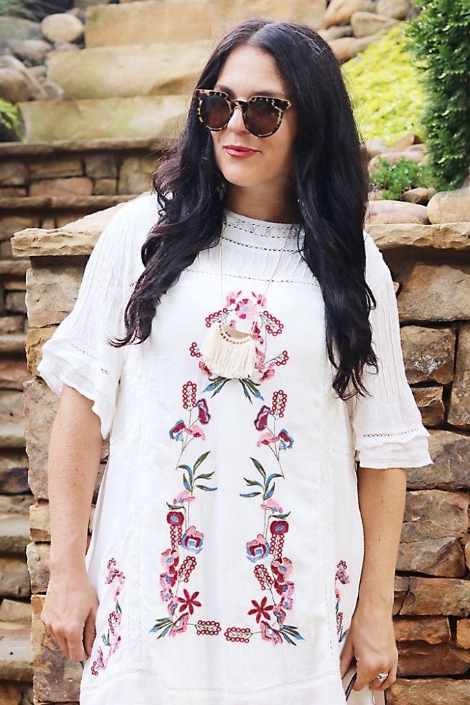 white-bohemian-dress-with-fringe-necklace