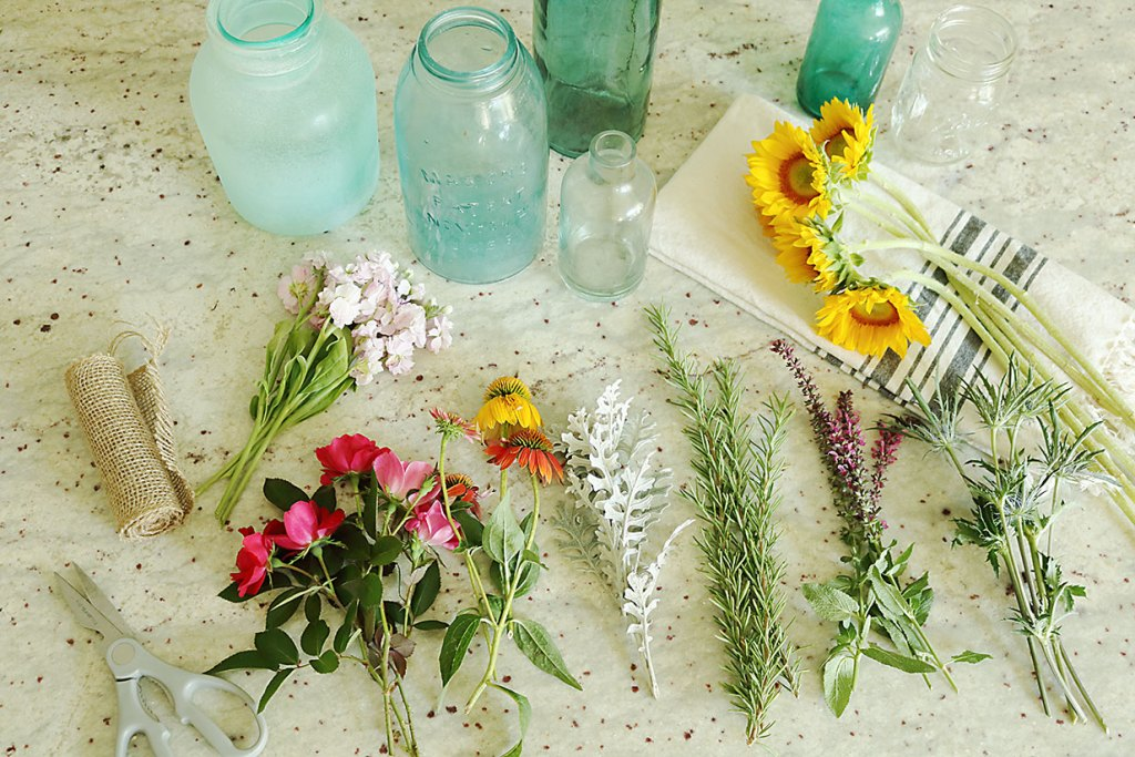 5 Minute DIY Flower Arrangement