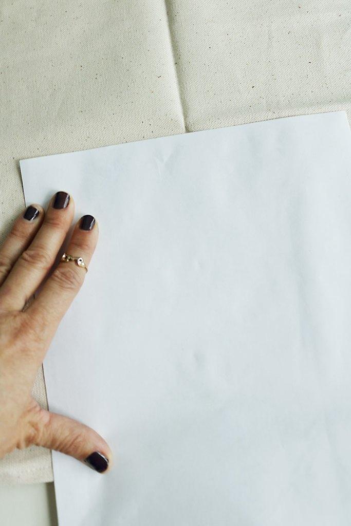 diy-mud-cloth-pillow-freezer-paper-transfer