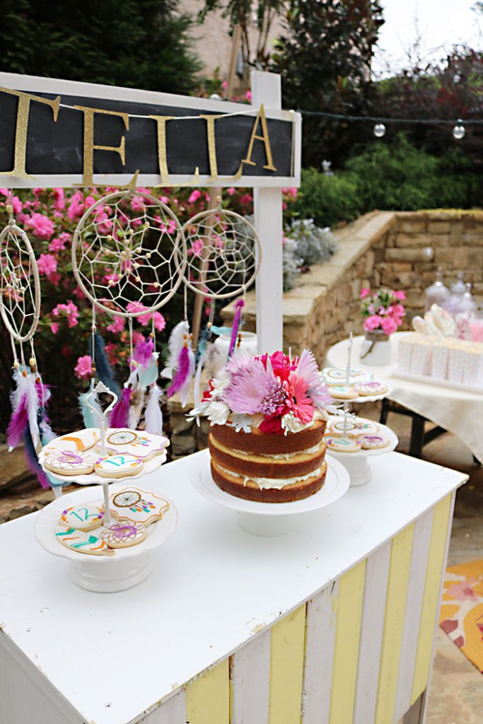 boho-birthday-cake-display