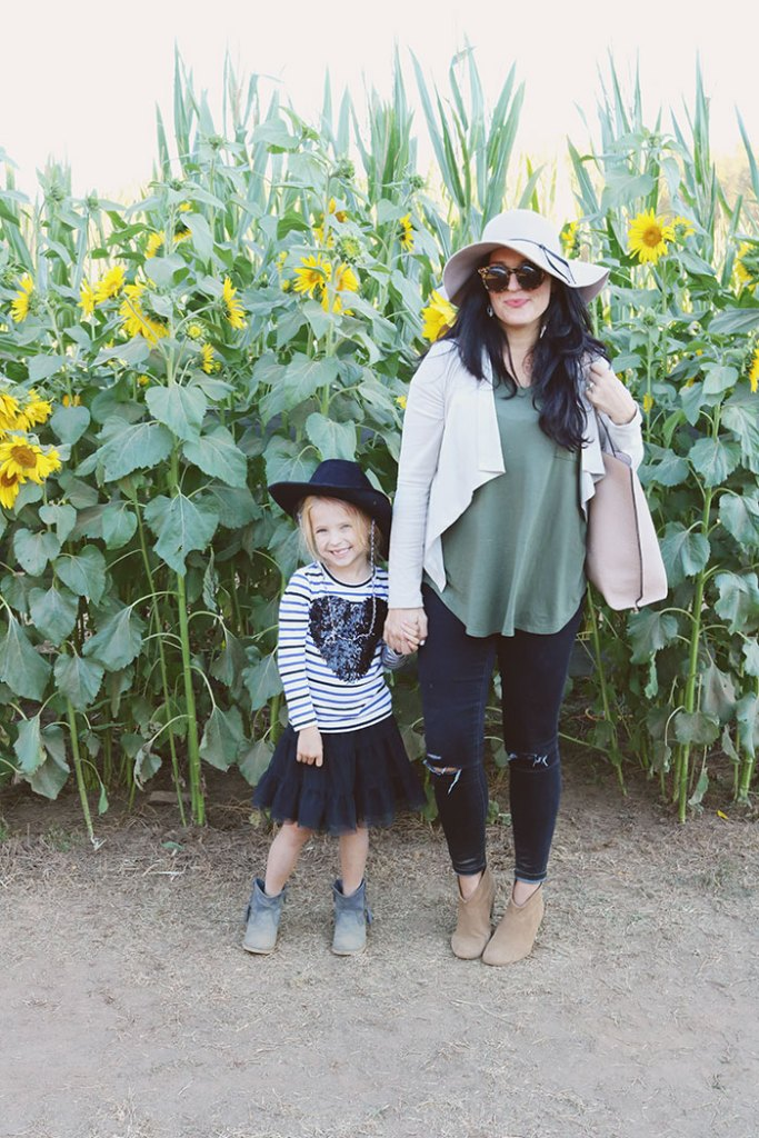fall-to-do-list-corn-maze-with-kids