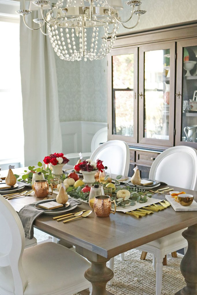 farm-to-table-thankgiving-table-room
