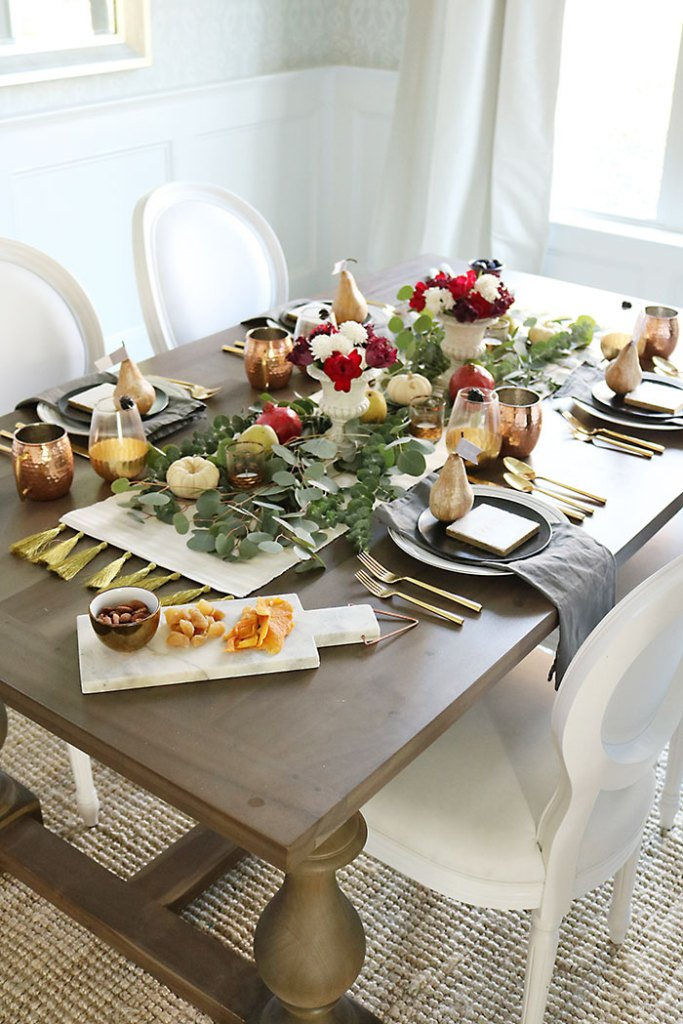farm-to-table-thanksgiving-tablescape-with-moscow-mule-mugs