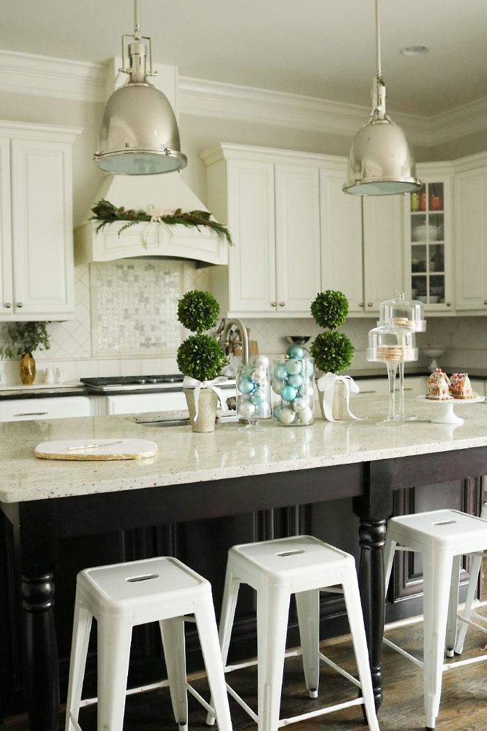 Christmas Decorations Kitchen Island Darling Darleen A Lifestyle Design Blog
