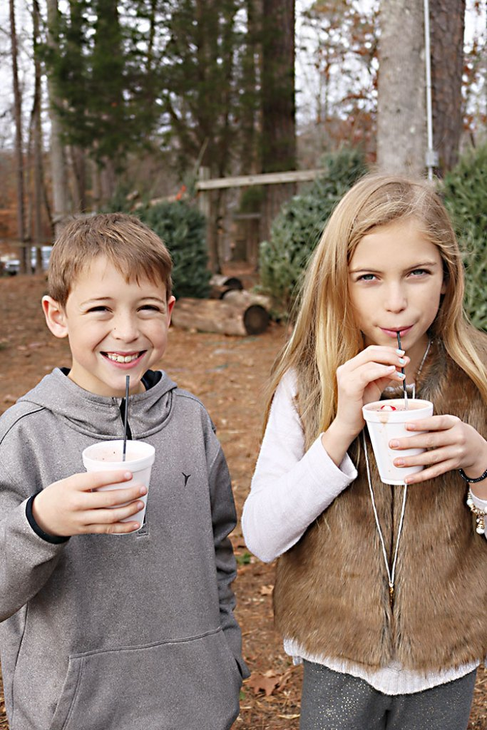 cutting-tree-hot-cocoa-and-kids