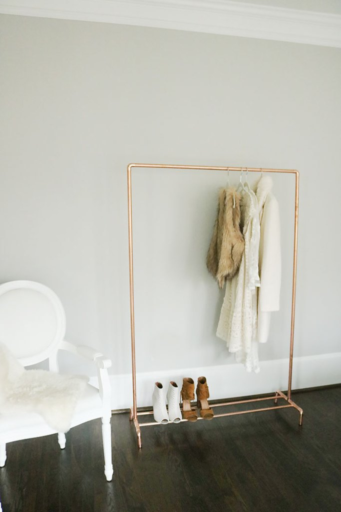diy copper clothing rack, how to make a copper clothing rack, modern clothing rack, diy clothing rack, metal clothing rack, diy project