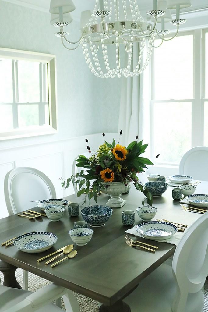 harvest centerpiece arrangement, fall entertaining, fall flowers, harvest flowers, sunflower flower arrangement, fall indoor dinner, fall tablespace