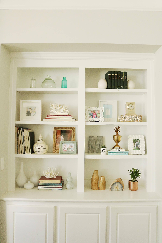 4 Tips for Refreshening Your Bookshelf || Darling Darleen #bookshelfstyling #bookshelfshelfie #darlingdarleen