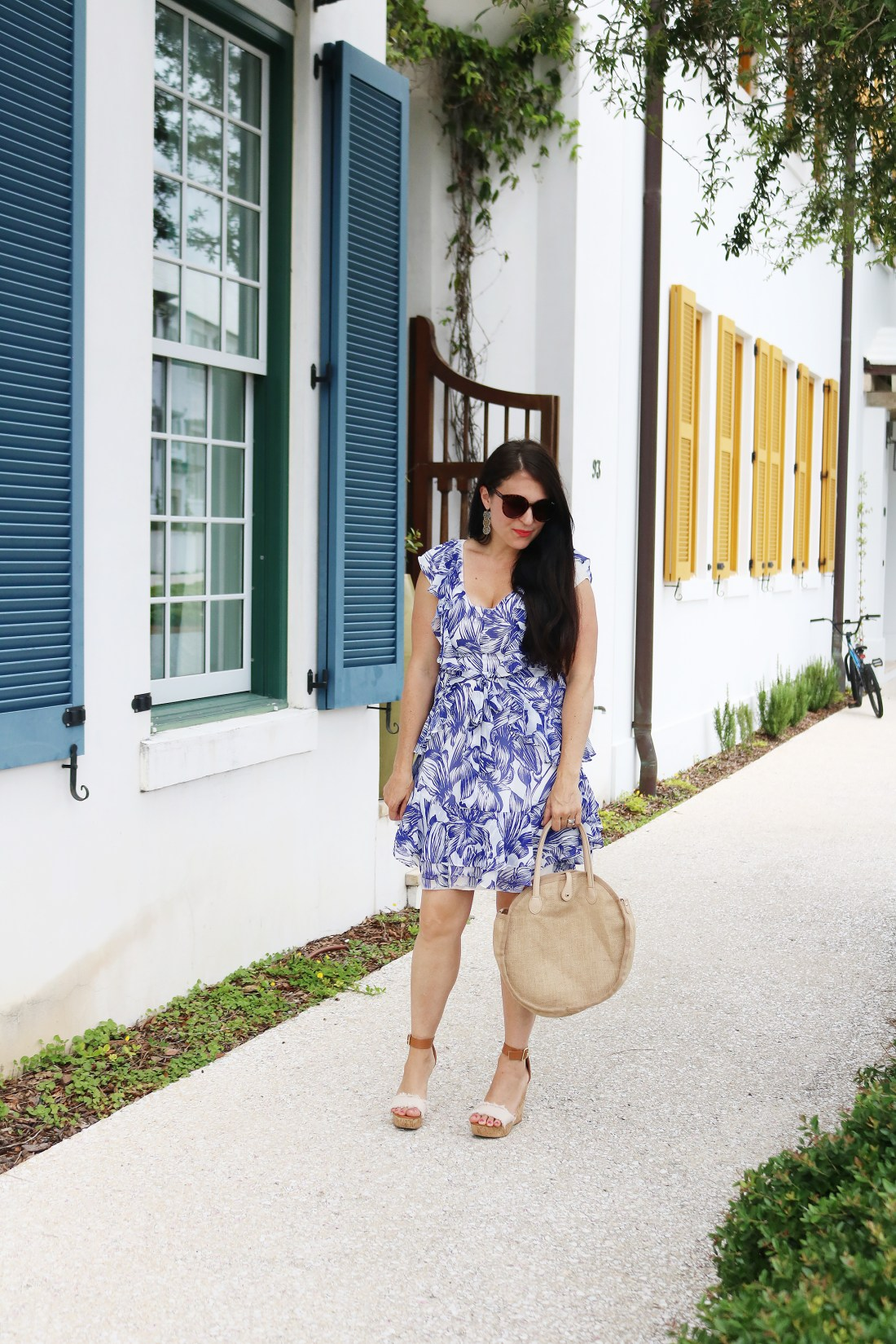 Sharing the top Summer Trend Floral Ruffle Wrap Dresses || Darling Darleen #floraldres #wrapdress #summertrend #darlingdarleen #darleenmeier
