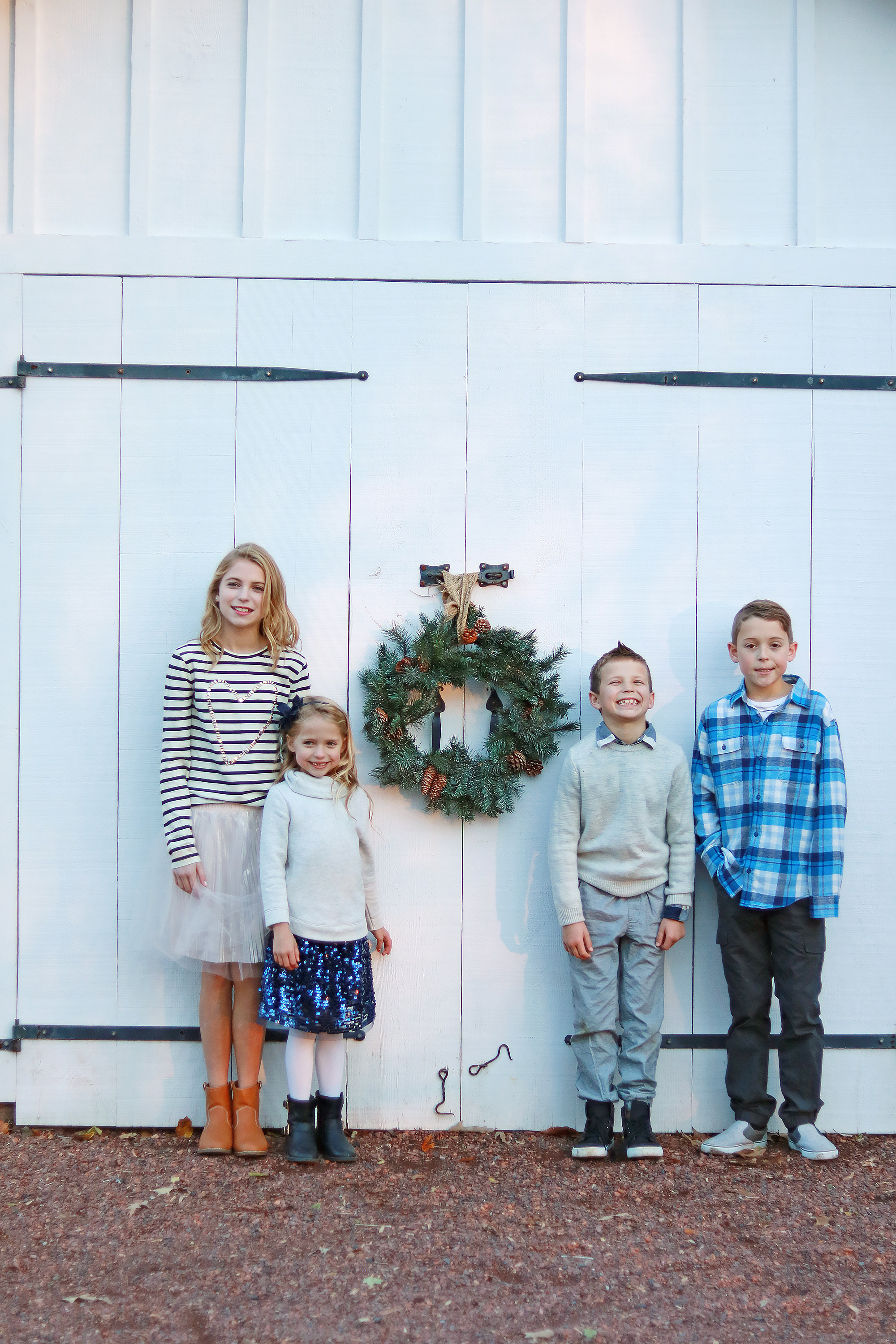 10 Tips for Styling Family Pictures || Darling Darleen #darlingdarleen