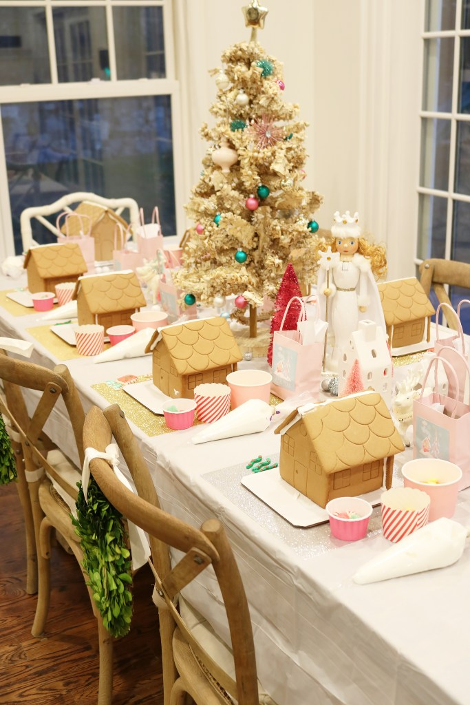 Gingerbread House Decorating Party + FREE Printables for the perfect holiday birthday party idea or Christmas party for children || Darling Darleen