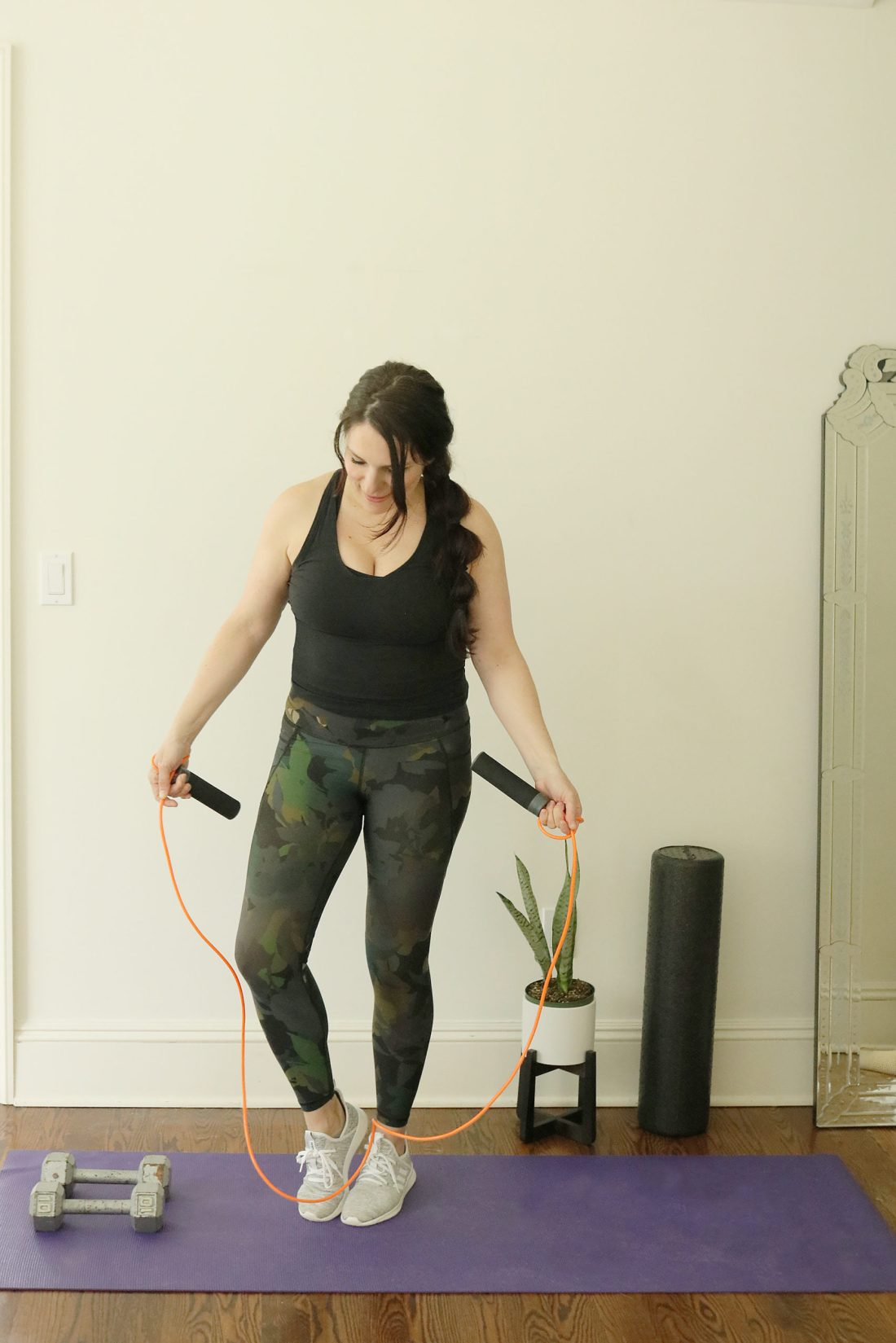 Stuck at home? Here are the best of the best must-haves for home exercise equipment that will work that booty without leaving the comfort of your home. || Darling Darleen Top Lifestyle Blogger #homeexercise #homefitnessequipement #darlingdarleen