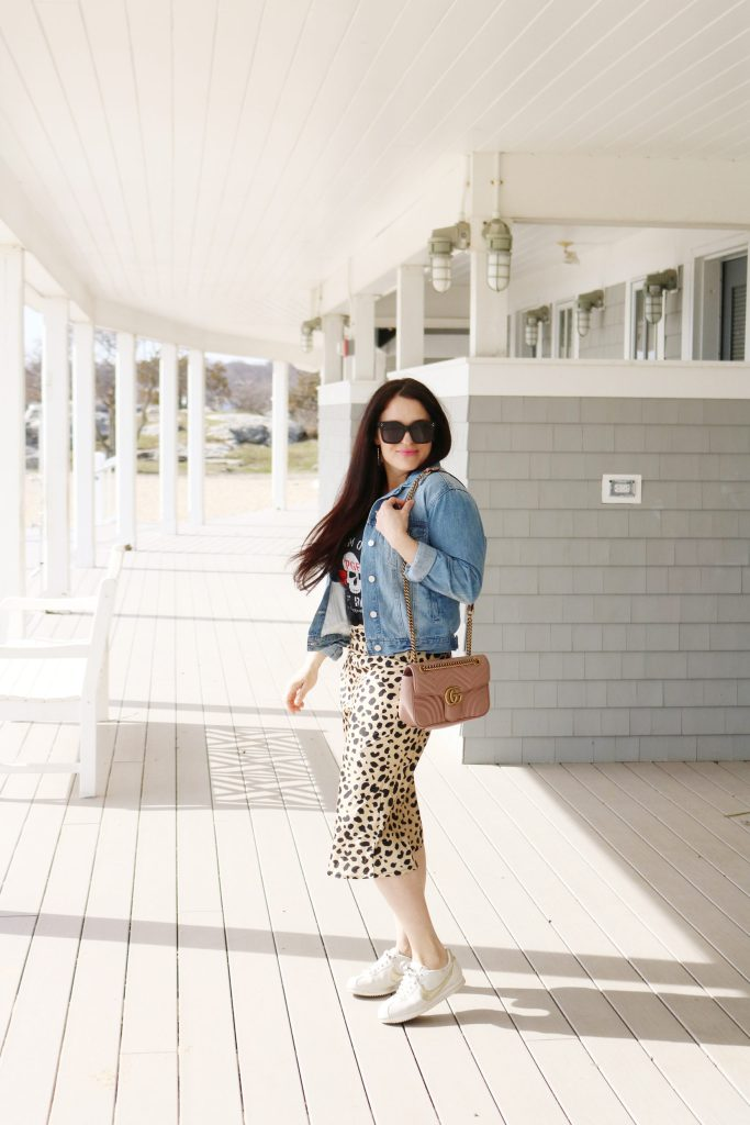 How to Style Denim Jean Jackets with these 4 Jean Jacket Outfit Ideas for an easy way to transition to spring | wearing jean jacket with leopard skirt | Darling Darleen Top Lifestyle Blogger #jeanjacket #denimjacket #darlingdarleen #darleenmeier