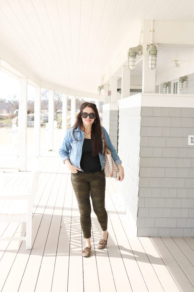 How to Style Denim Jean Jackets with these 4 Jean Jacket Outfit Ideas for an easy way to transition to spring   wearing jean jacket with camo pants   Darling Darleen Top Lifestyle Blogger #jeanjacket #denimjacket #darlingdarleen #darleenmeier