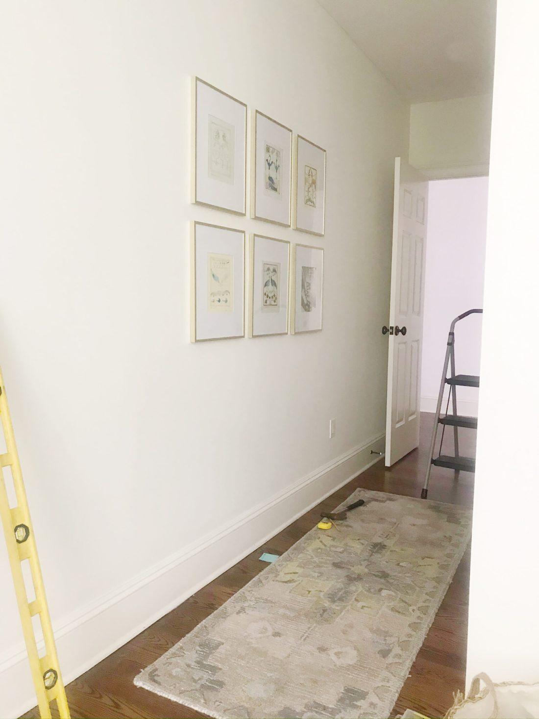 Follow this guide for an Easy method on how to hanging a picture grid the way professional do. || Darling Darleen Top Lifestyle Connecticut Blogger