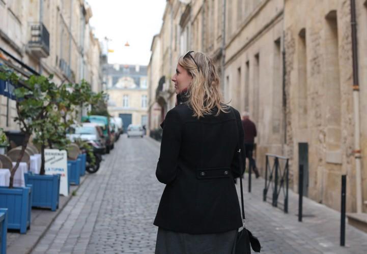 robe mademoiselle R, veste mango, echarpe, sac à main, bordeaux, chaussures bocage 14