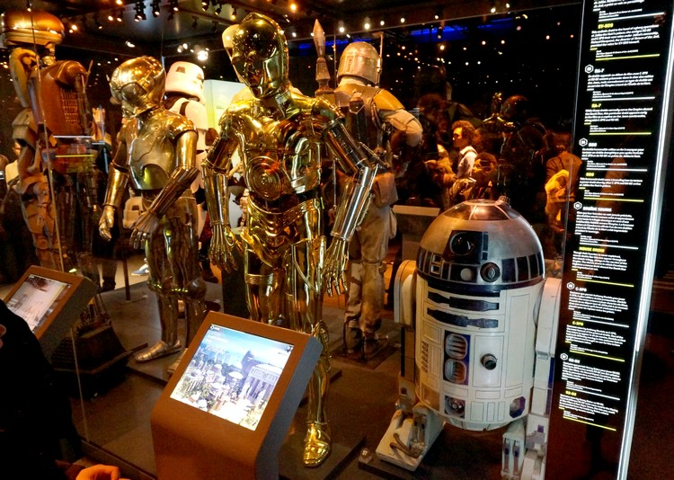 star wars exposition identities R2D2 C3PO