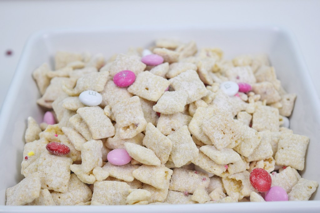 Cupids Snack Mix