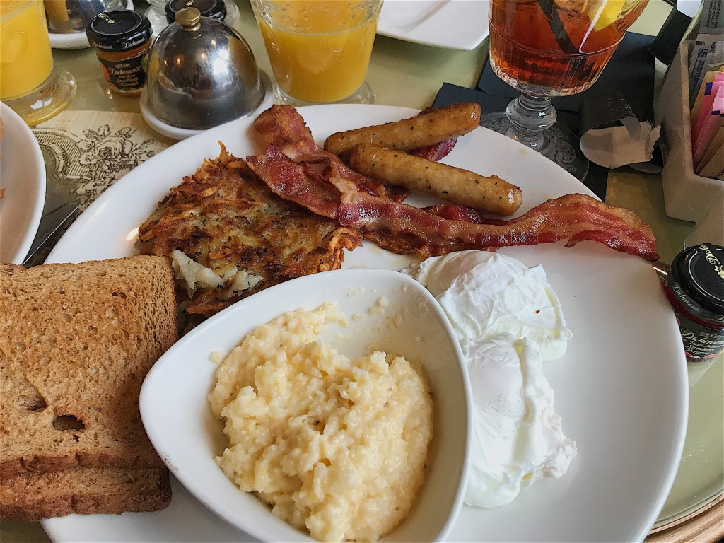 the American breakfast at Shakespeare & Co.