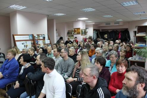 В Дарницькому районі презентували проєкт скверу на вулиці Ахматової