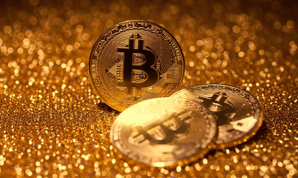 Crypto Crypto Trader Slams Critic Peter Schiff as Bitcoin Outshines Gold by 83,300%