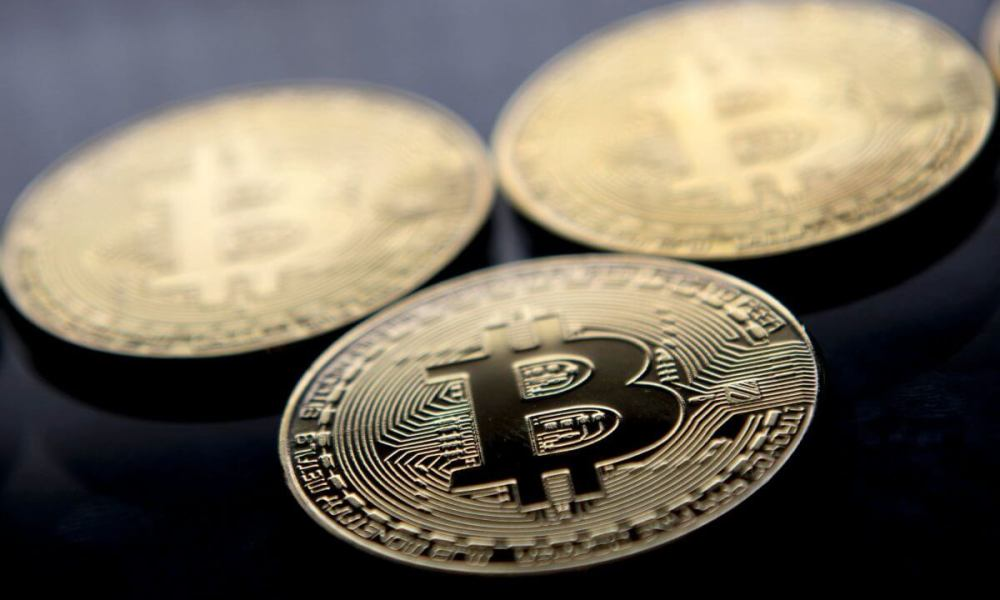 Crypto Coronavirus Infects Gold and Bitcoin: Both Assets Poised for Risk-Off Break Outs