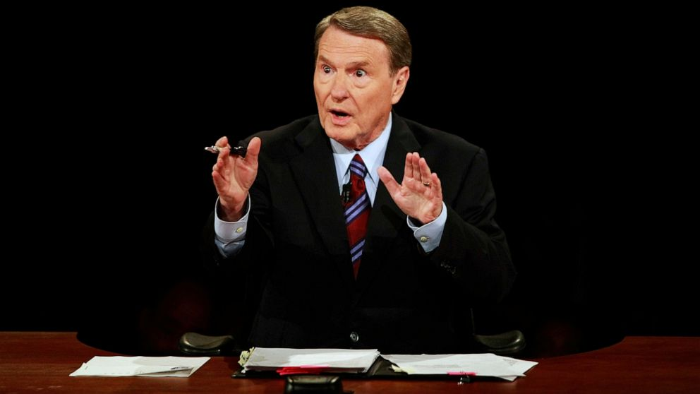 Longtime PBS anchorman Jim Lehrer dies at 85