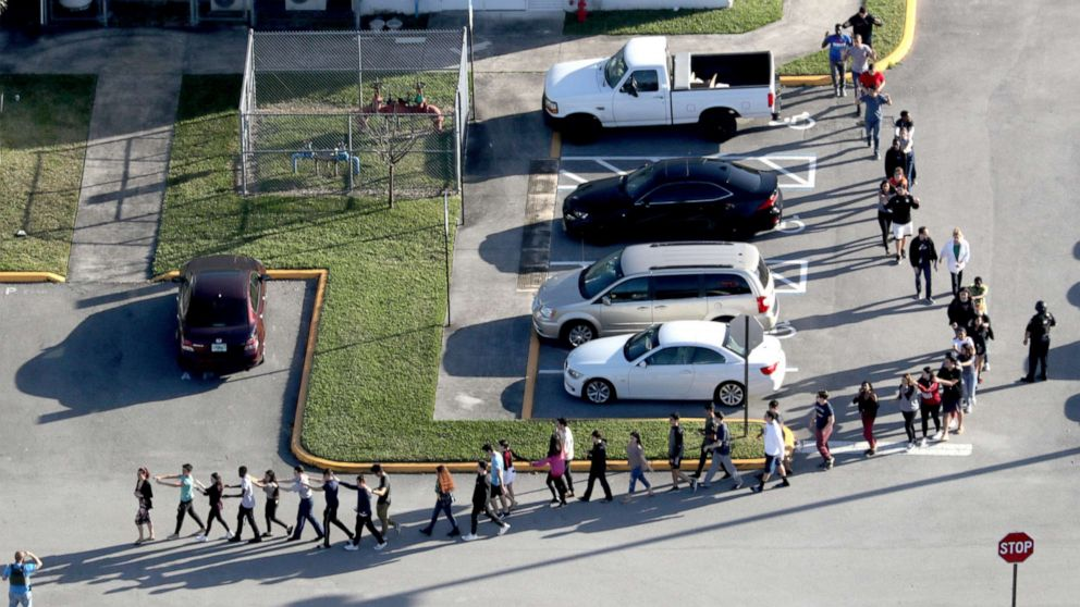 Cop who was fired after Parkland shooting will get his job back: Union