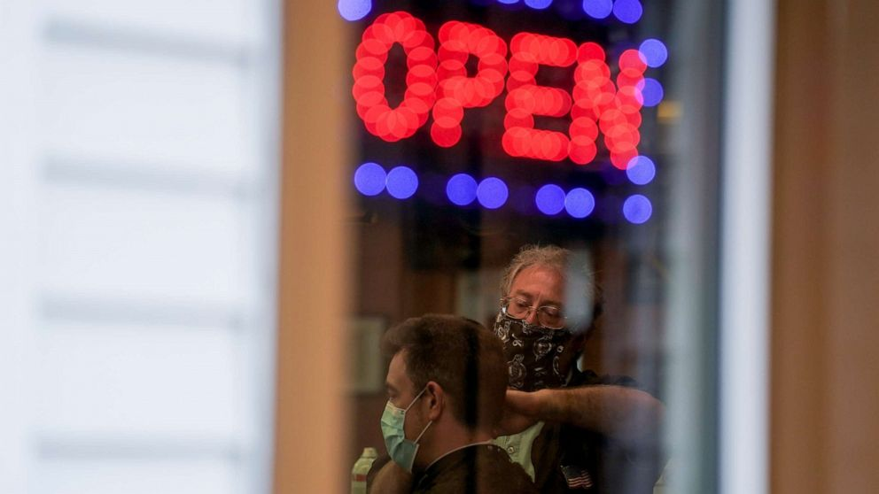 Coronavirus updates: Milwaukee order allows salons, malls, playgrounds to reopen