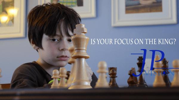 Focus king background