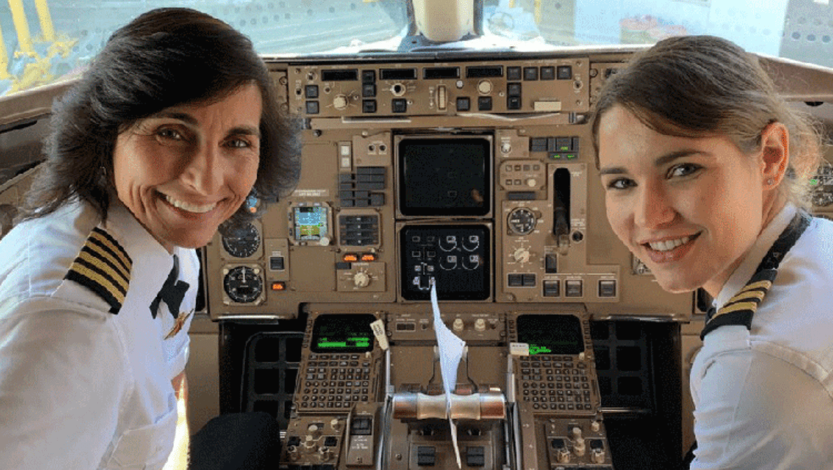 Mother And Daughter Pilot Delta Boeing 757 from Los Angeles To Atlanta