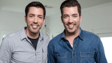 Property Brothers Drew and Jonathan Scott have two colors they hate when it comes to selling a house.