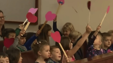 Kindergartner invites his entire class to his adoption hearing.
