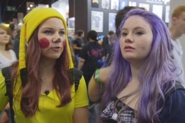 """""""Zickenalarm - Mädchen in der Pubertät"""": Iwa und Marie sind verkleidet als Mangafiguren"""