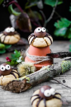 Erdnussbutter Spinnen Cookies