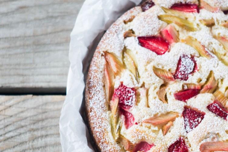 Erdbeer Rhabarber Joghurtkuchen Das Kuchengefluster