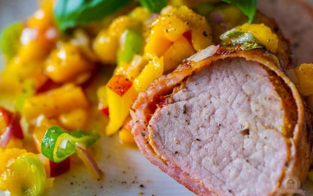 Asiatisches Schweinefilet mit Mango-Nektarinen-Salsa