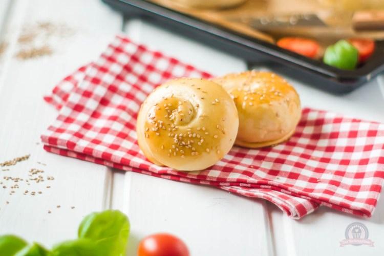 Mediterrane Käseschnecken – würzig gefüllte Snackidee!