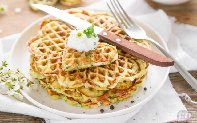 Feta-Zucchiniwaffeln – Zucchini können auch in Form von Waffeln schmecken…